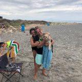 ADOPTADA!!!  La felicidad que teníamos ayer con el viaje a la playa se culmino con la adopción de VIOLETA.